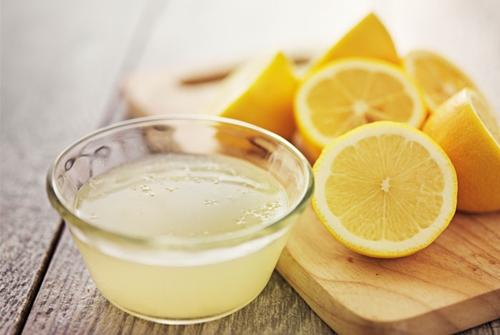 lemon-juice-in-glass